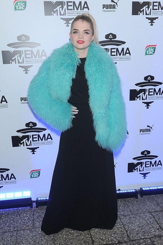 Przebrania celebrytek na MTV EMA 2013