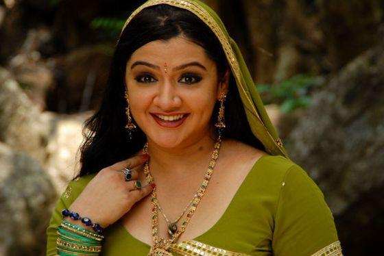 Gwiazda Bollywood zmarła po zabiegu liposukcji (VIDEO)