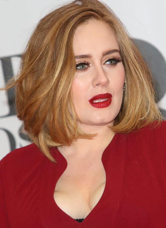 OMG! Nie macie szans poznać Adele bez makijażu