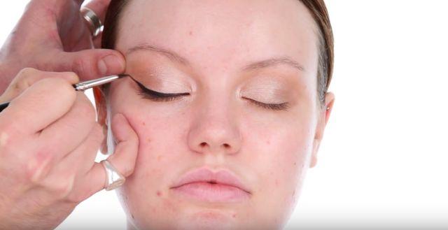 Makijażysta Adele przygotował tutorial jej makijażu! OTO ON! (VIDEO)
