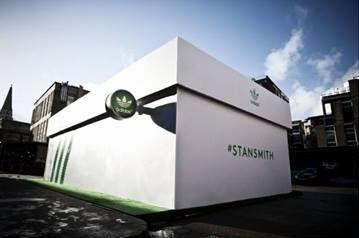 Adidas otworzył sklep w kształcie pudełka (FOTO)