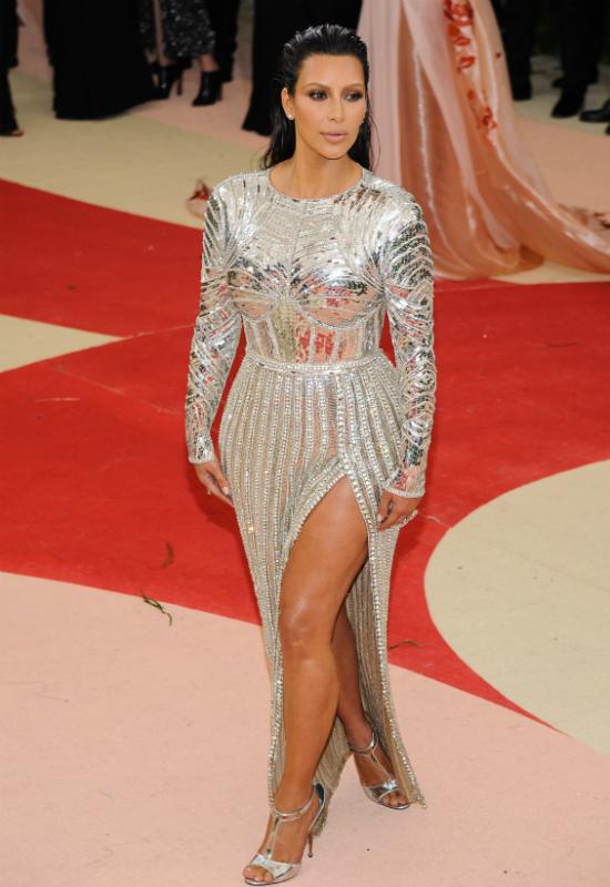Kim Kardashian przyznaje się do urodowego błędu! Już nigdy go nie popełni!