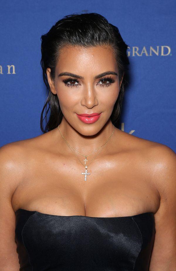 Kim Kardashian znowu to robi. Na Instagramie tak, jak stworzy ją... chirurg!