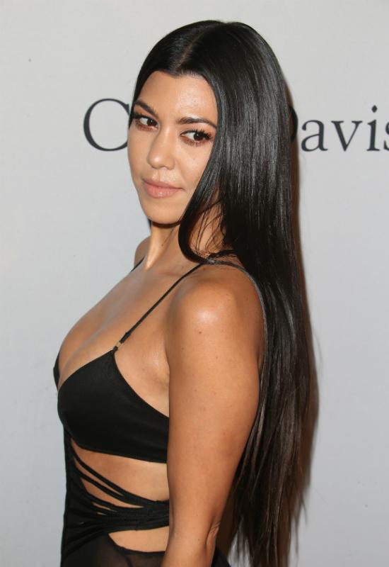 Kourtey Kardashian właśnie sprawiła sobie najmodniejszą fryzurę na jesień 2017!