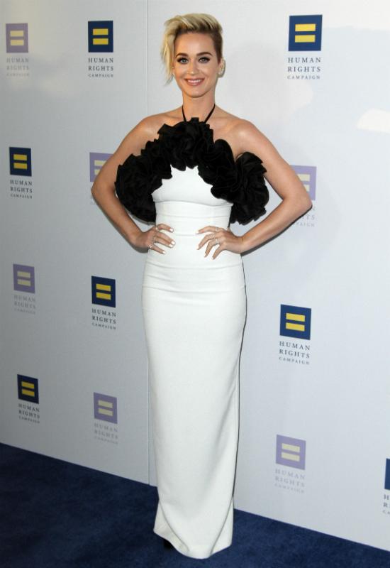 Katy Perry tłumaczy się z nowej fryzury. Ale wymyśliła…