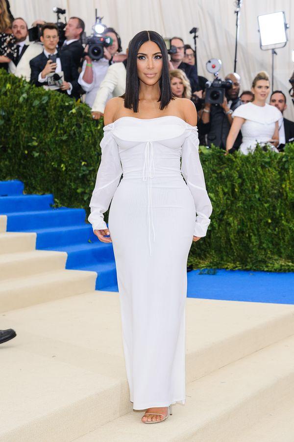 Będziecie zaskoczone, jak wygląda nowa ulubiona fryzura Kim Kardashian!