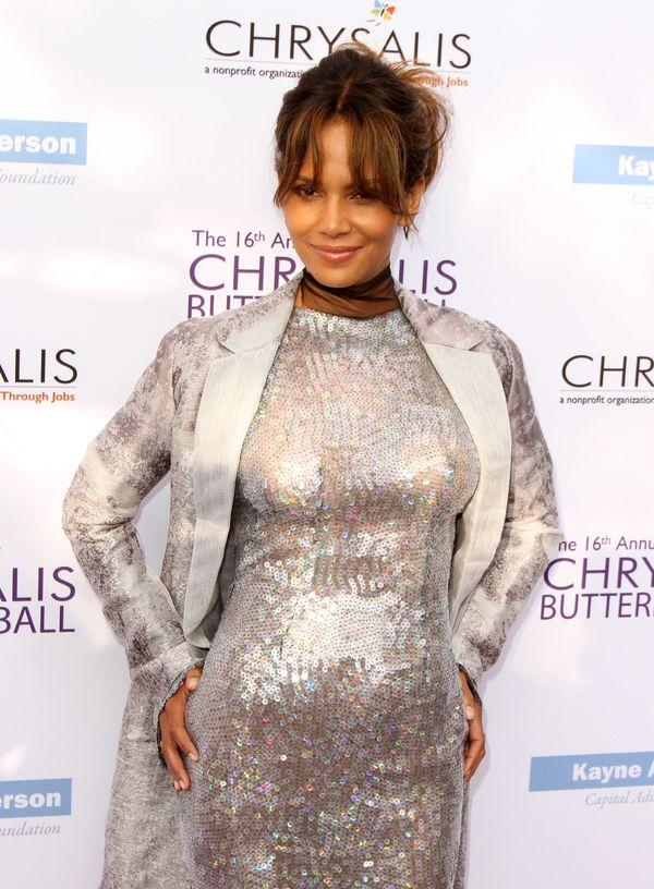 Halle Berry w ciąży czy jednak nie? Gwiazda odpowiada na domysły mediów (FOTO)
