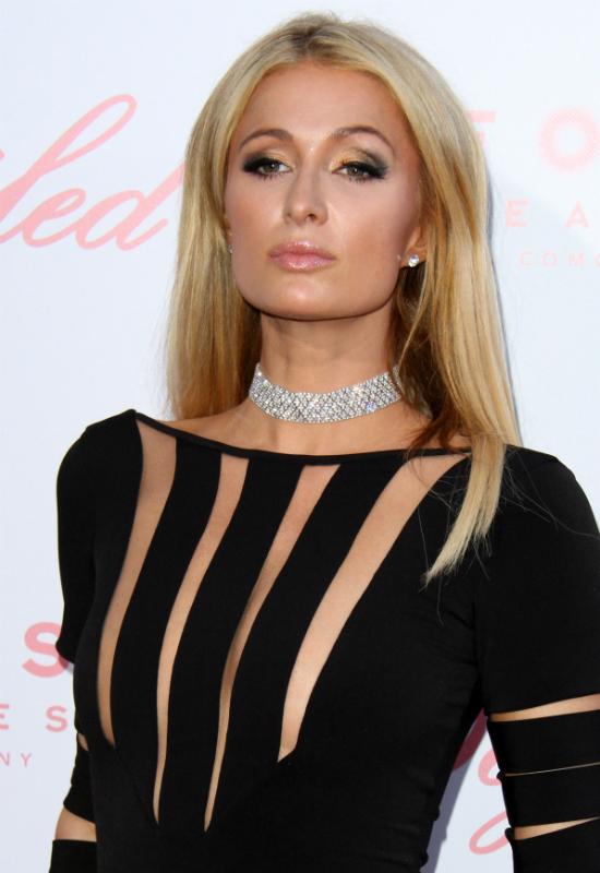 Nie musicie lubić Paris Hilton, ale jej metamorfoza to koniec pewnej ery!