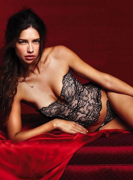 Adriana Lima w walentynkowym lookbooku Victoria's Secret