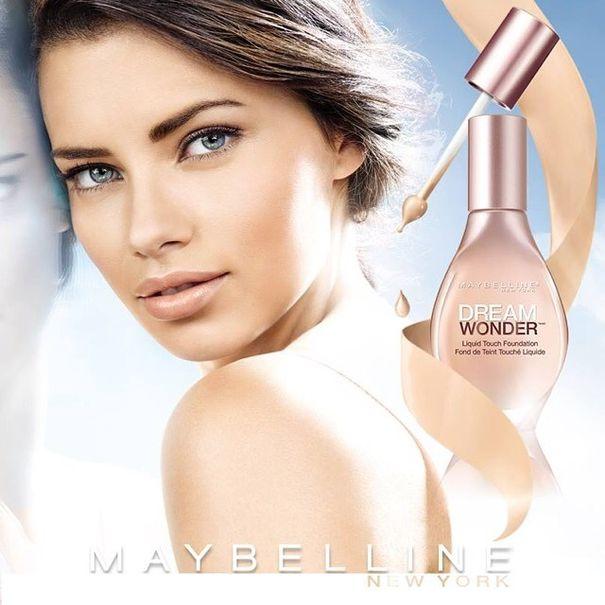 Adriana Lima twarzą nowego podkładu od Maybelline!