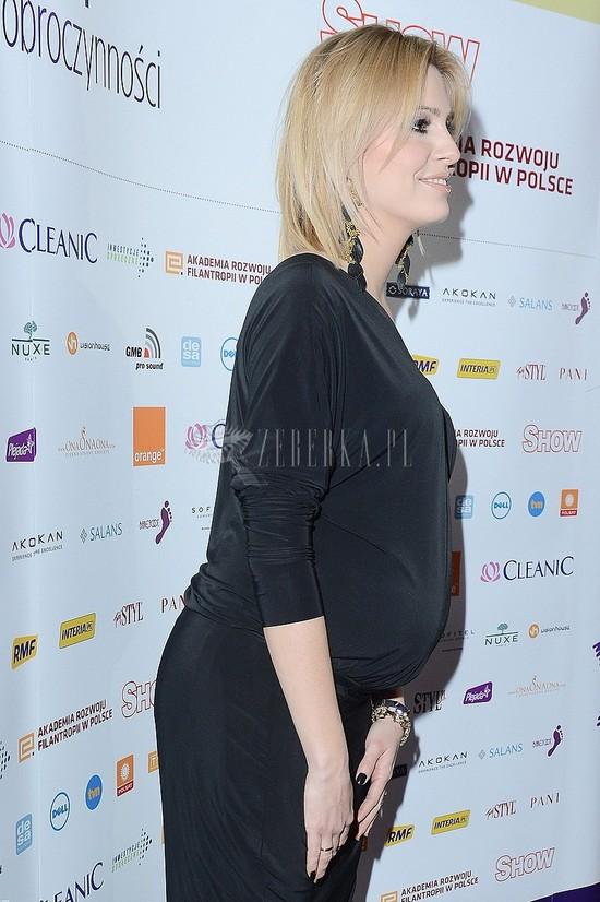 Agnieszka Popielewicz stylowa w ciąży (FOTO)