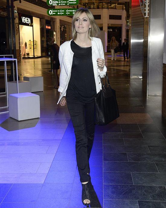 Paulina Drażba w jeansowej koszuli