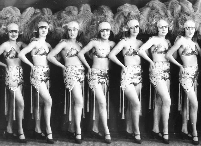 Ewolucja kobiecej pupy - jak się zmieniał kanon piękna?
