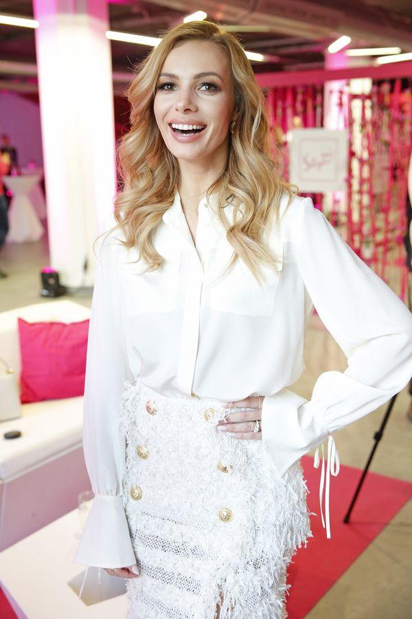Izabela Janachowska wyśmiewa błędy swojej ślubnej stylizacji! [VIDEO]