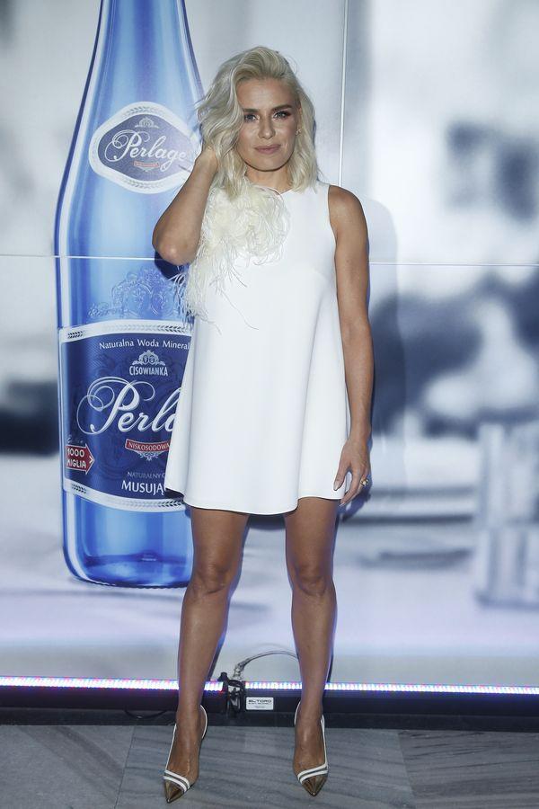 Natasza Urbańska już tak nie wygląda! Piosenkarka rozjaśniła włosy!