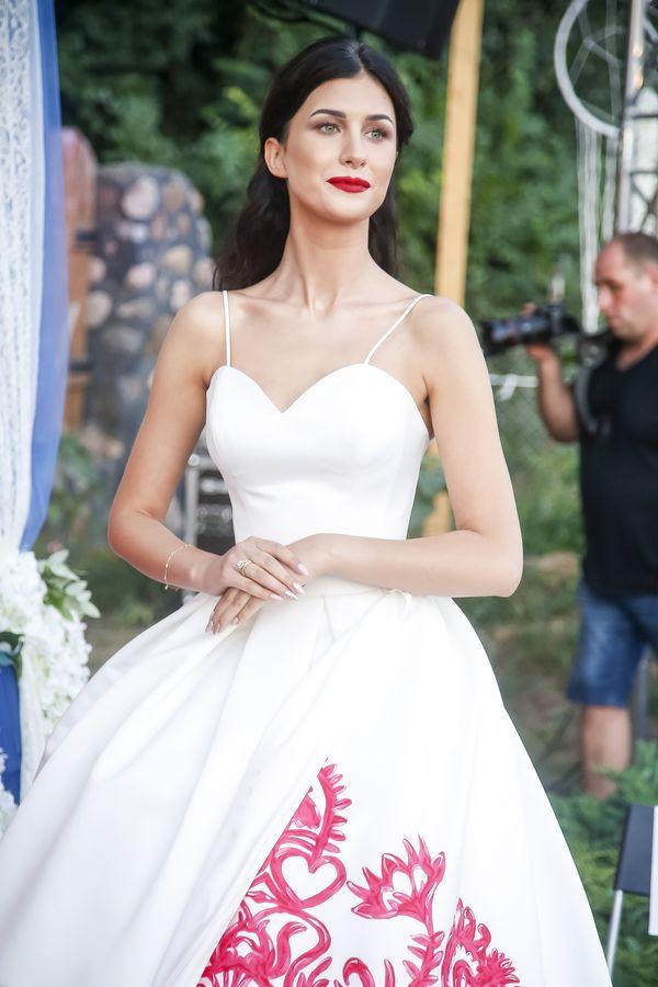 Widziałyście suknię ślubną Ewy Mielnickiej? Miss założyła ją po raz drugi!