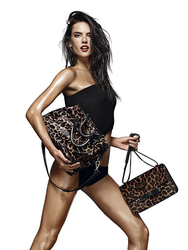 Alessandra Ambrosio reklamuje dodatki marki Schutz (FOTO)
