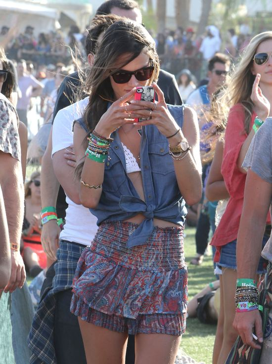 Jeszcze więcej stylizacji gwiazd z festiwalu Coachella