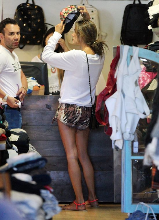 Alessandra Ambrosio vs Lea Michele