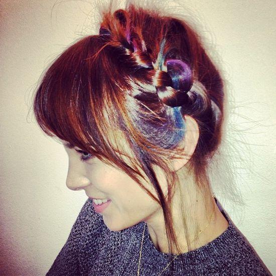 Alexa Chung zaszalała z kolorami włosów (FOTO)