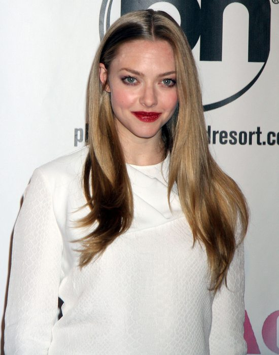 Amanda Seyfried w kreacji Stelli McCartney