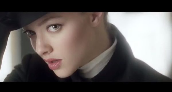 Amanda Seyfried w reklamie Givenchy (VIDEO