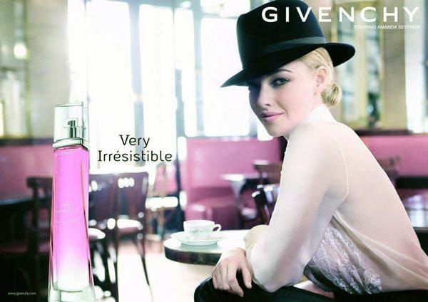 Amanda Seyfried nową twarzą Givenchy