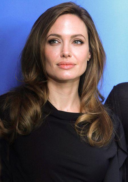 Angelina Jolie pójdzie pod skalpel?