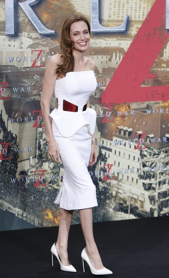 Angelina Jolie w białej kreacji Ralph & Russo (FOTO)