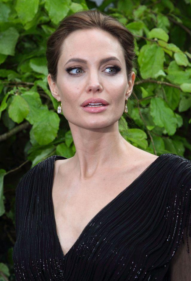 Angelina Jolie projektuje loboutiny! (FOTO)