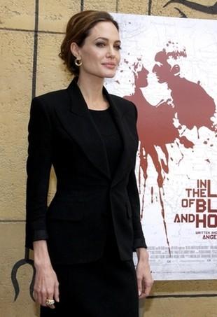 Bardzo prosty zestaw Angeliny Jolie (FOTO)