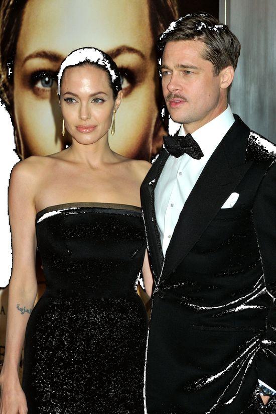 Pamiętacie pierścionek zaręczynowy Angeliny Jolie? Brad chce go...