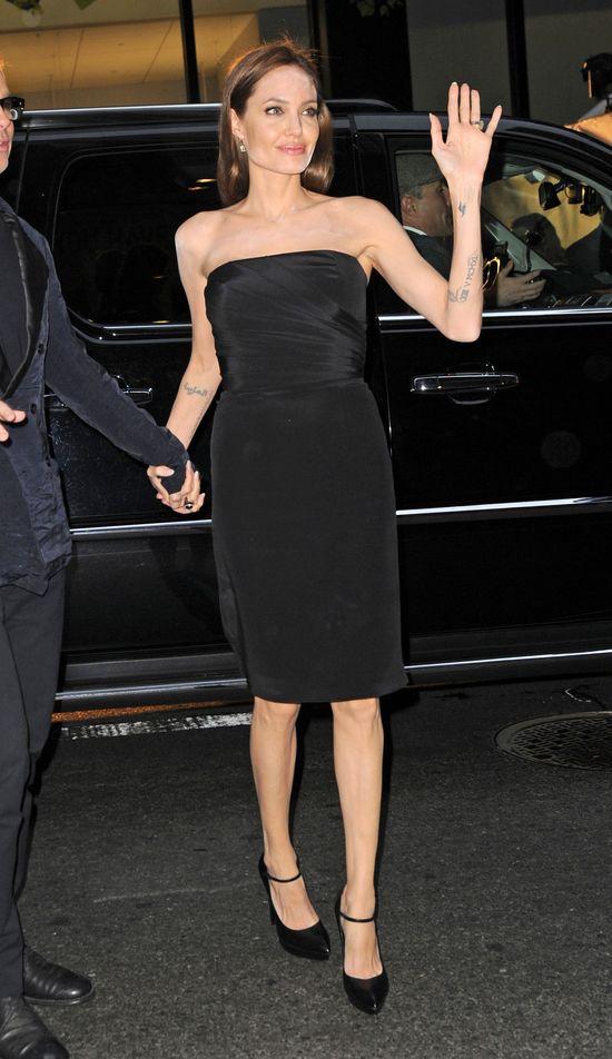 Angelina Jolie zaliczyła makijazową wpadkę! (FOTO)