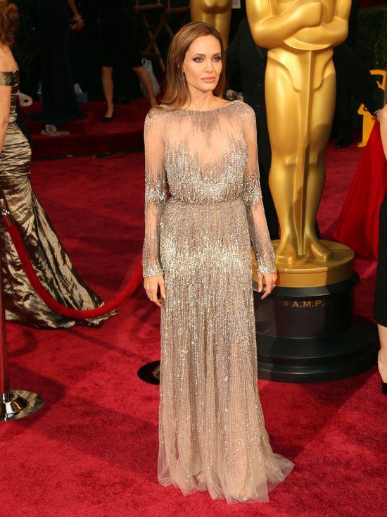 Angelina Jolie w kreacji Elie Saaba na gali Oscary 2014