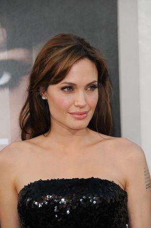 Angelina Jolie na premierze filmu Salt