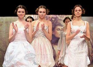 Eva Minge, Wiosna, kolekcja, styl, sukienki