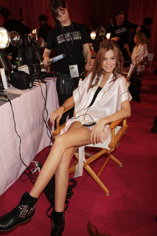 Tak modelki Victoria's Secret szykowały się do pokazu (FOTO)