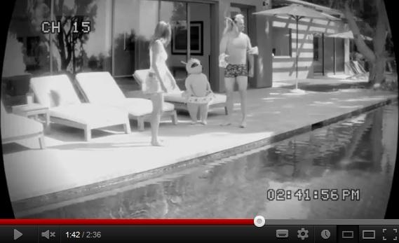 Jennifer Aniston w ciąży w reklamie wody