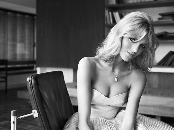 Anja Rubik w najnowszej kampanii marki Apart