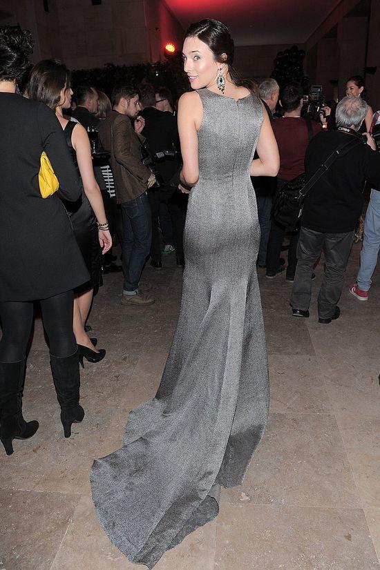 Anna Czartoryska w sukni z długim trenem (FOTO)