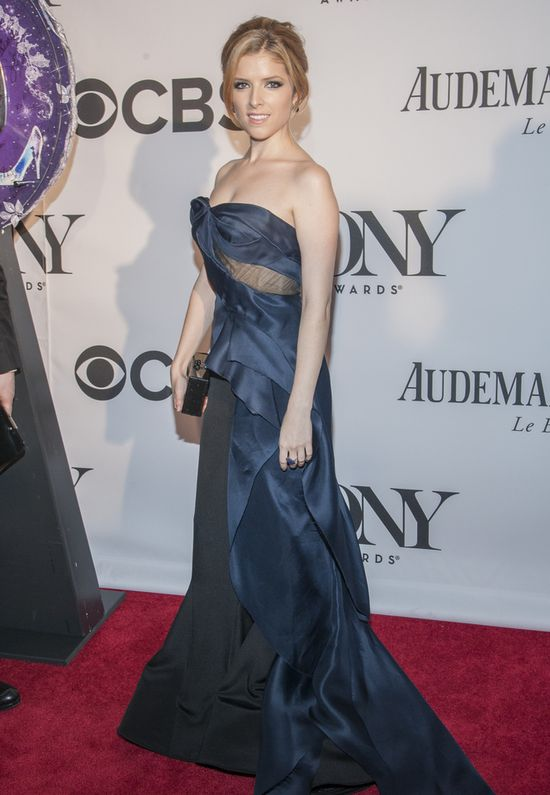 Anna Kendrick w sukni