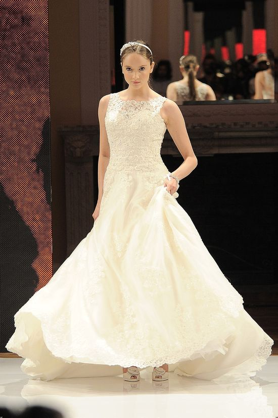Paulina Sykut i piękne suknie ślubne na pokazie Annasis