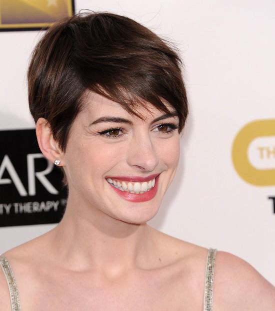 Anne Hathaway w sukni Oscara de la Renta (FOTO)