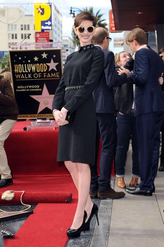 Anne Hathaway w sukience Prady (FOTO)