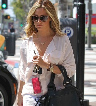 Ashley Tisdale w pastelach