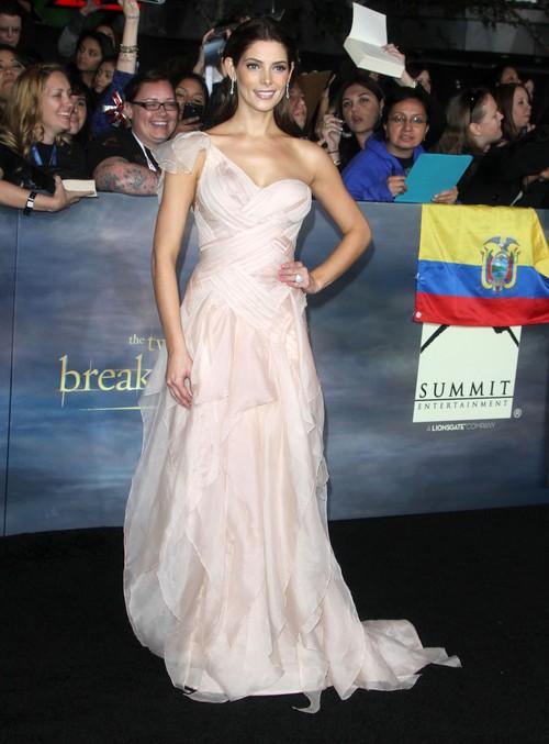 Ashley Greene w Donna Karen Atelier (FOTO)