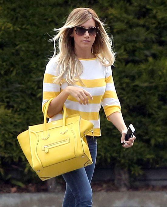 Ashley Tisdale w dwóch stylizacjach z  torbą Céline