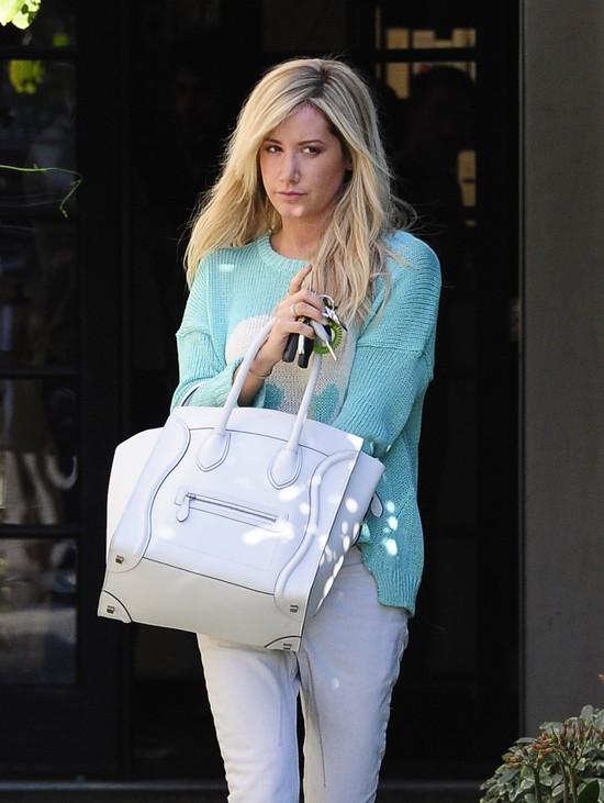 Ashley Tisdale też zdjęła doczepy (FOTO)