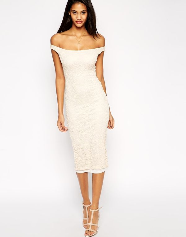 Potrzebujesz drugiej sukni ślubnej? Zajrzyj do sieciówek!