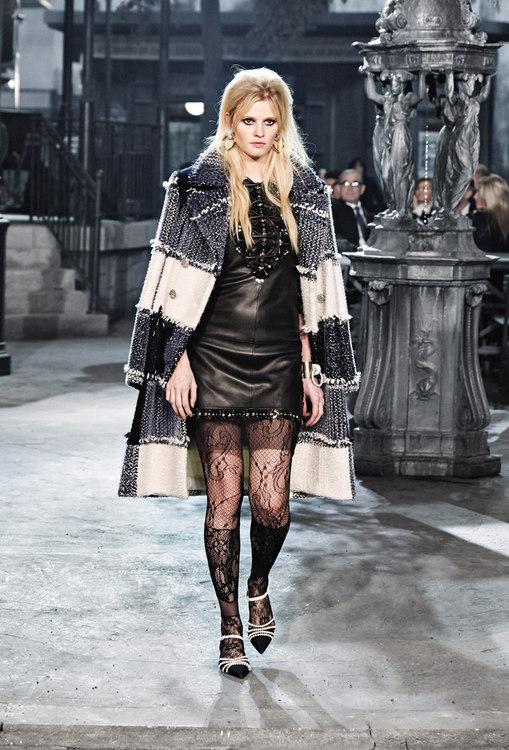 Chanel – Paris in Rome 2015/16 Métiers d'Art collection